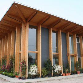 Edificio in legno adibito a serra (MI)