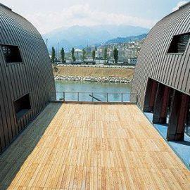 Edificio in legno per centro del canottaggio (GE)